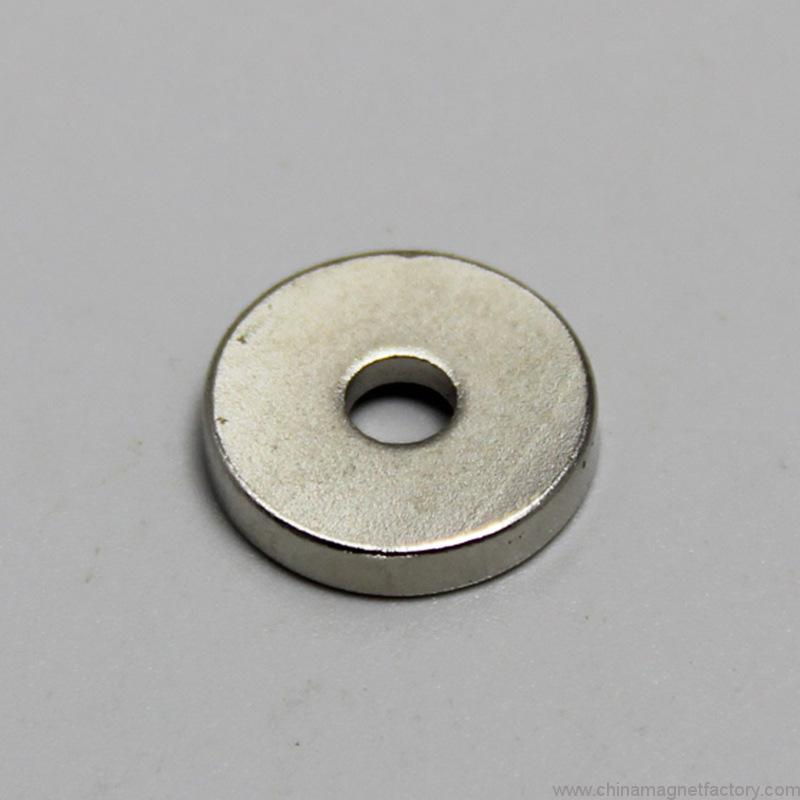 strong-disc-magnet-with-countersunk-hole-d10xd3-5x3mm-03