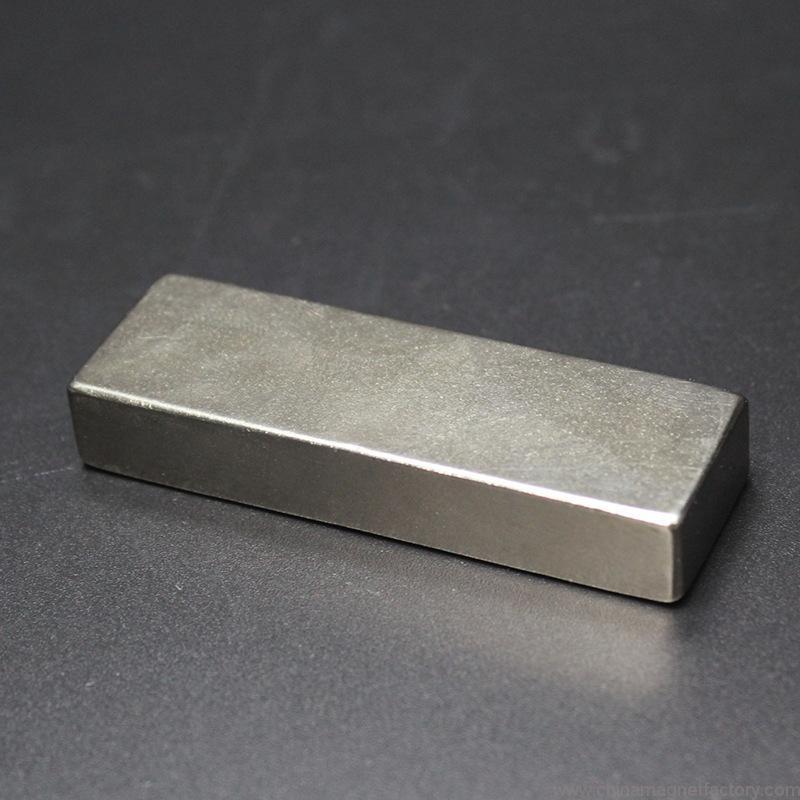 top-grade-block-ndfeb-magnet-f60x20x10mm-03